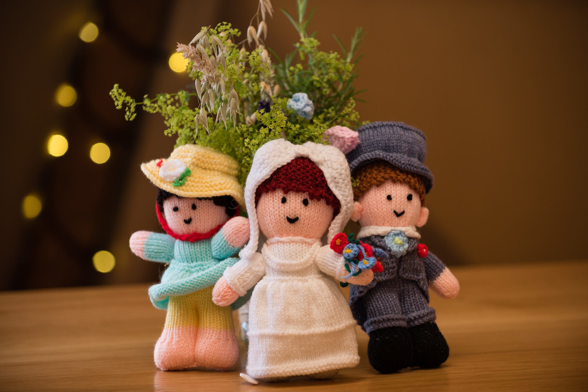 Knitted wedding dolls